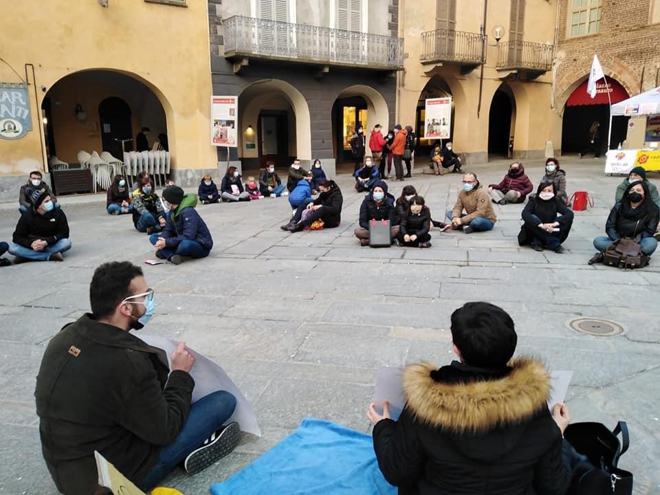 Sit-in a Fossano di sabato 20 febbraio - foto