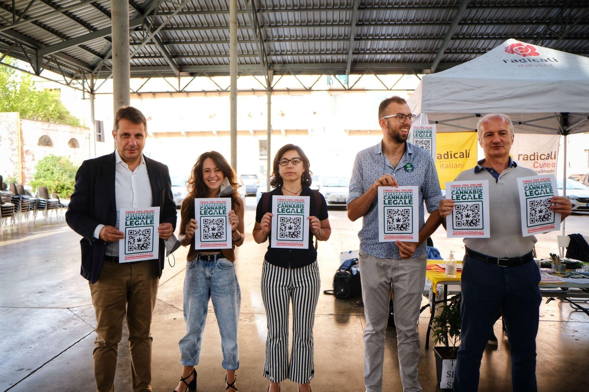"Referendum Cannabis, Radicali Cuneo lancia l'allarme: ""41 comuni del cuneese inadempienti!"""